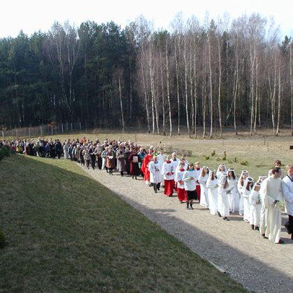 2003. Verbų sekmadienis