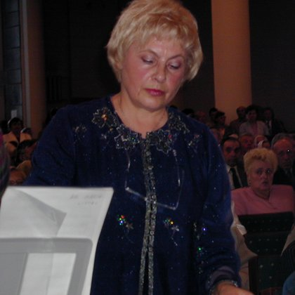"""Choro """"Salve"""" vadovė ir vargonininkė Regina Bartkienė"""